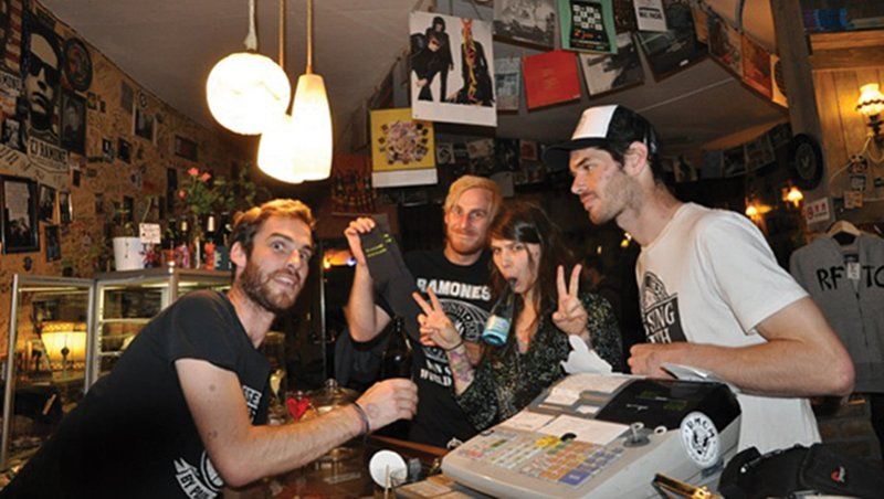 postcards ffp in bar nzm157